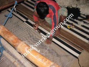 hand woven rug weaving